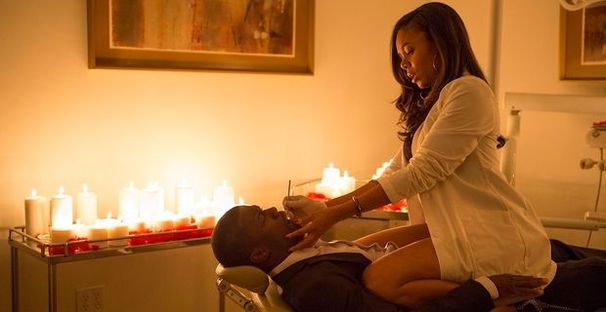 Kevin Hart and Regina Hall in 'About Last Night'